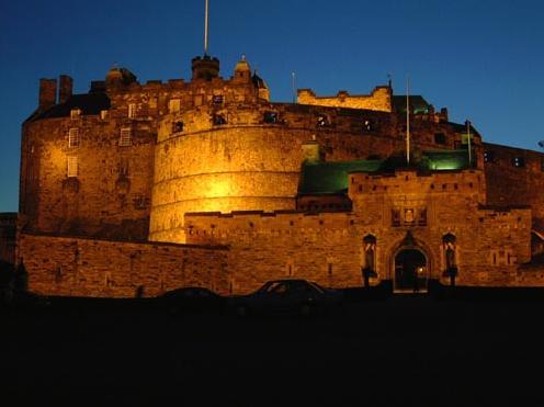 Ediinburgh-Castle-Scotland