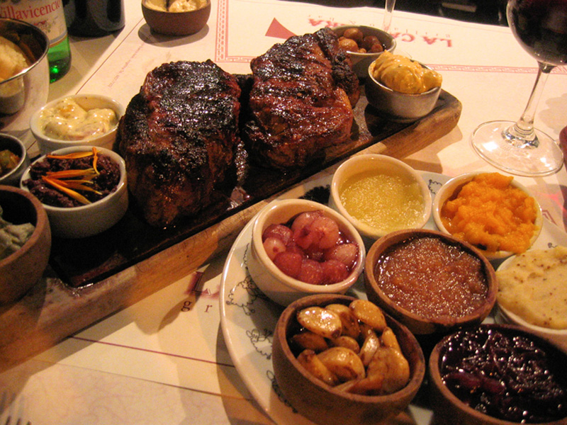 argentina-dining-la-cabrera-bif-de-chorizo-full