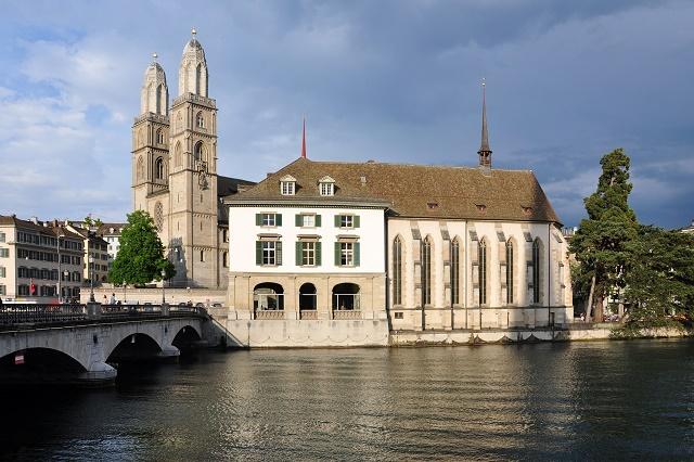 Zürich_-_Wasserkirche_-_Grossmünster_IMG_2275