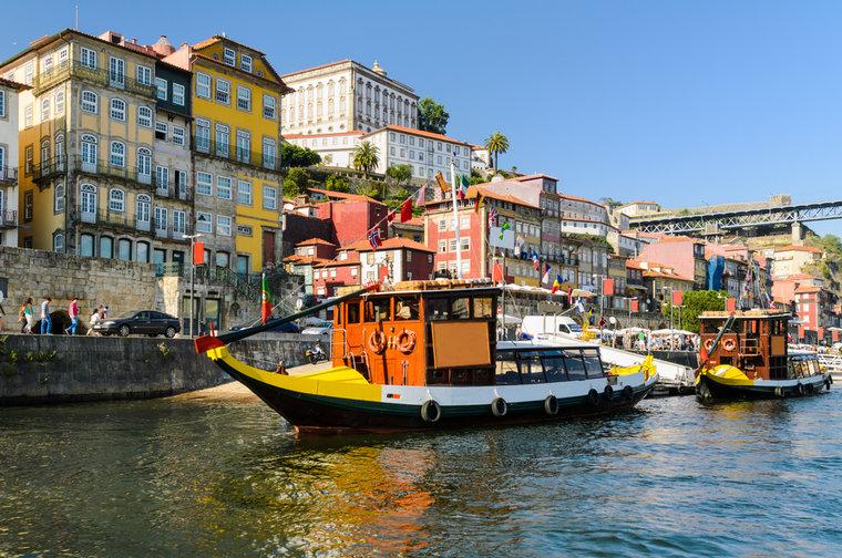 portugal-porto-_c_mapics-shutterstock_168892151-48ef2